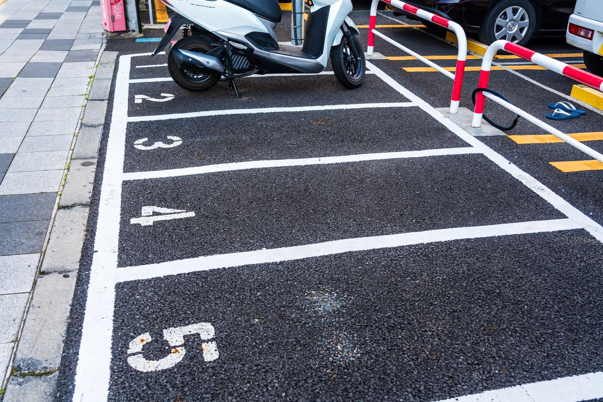 バイク駐車場の空き枠